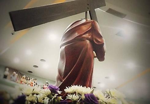 Procissão do Encontro relembra o sofrimento de Maria ao encontrar-se com Jesus a caminho do calvário